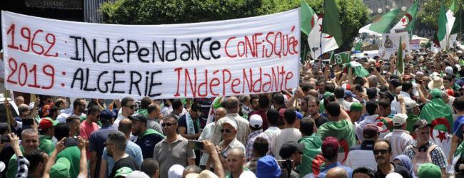Algérie. Ils réclament «un Etat civil et non militaire»