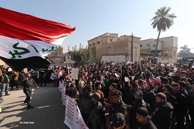 student_protestersbaghdadtahrir050120_alidabdabviatwitter_2