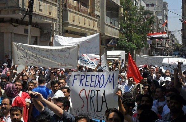 136317_photo-prise-par-les-comites-de-coordination-de-syrie-de-manifestants-syriens-anti-gouvernementaux-a-homs-le-24-juin-2011