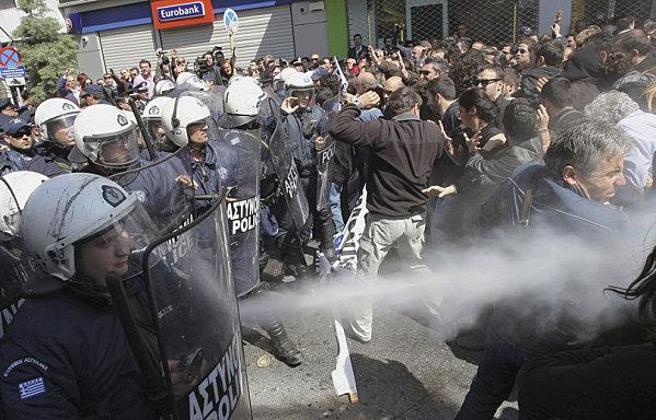 sem12marg-Z11-manifestation-austerite-Heraklion-Grece