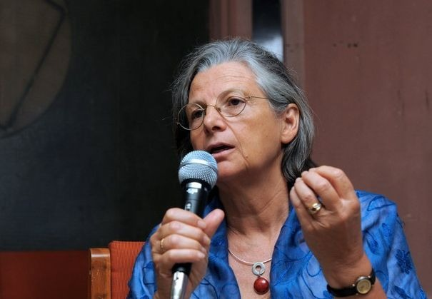 2012-08-03_annie-thebaud-mony-directrice-de-recherche-honoraire-a-l-inserm-le-6-mars-2011-a-ahmedabad-en-inde