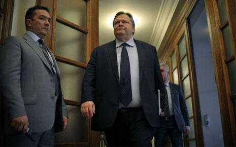 7745159734_le-ministre-grec-des-finances-evangelos-venizelos-au-parlement-grec-a-athenes-le-8-mars-2012
