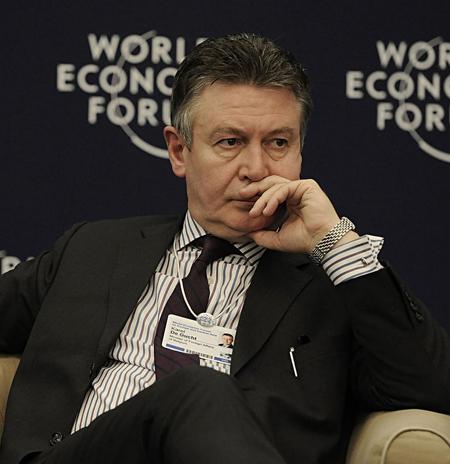 1280px-Flickr_-_World_Economic_Forum_-_Karel_De_Gucht_-_World_Economic_Forum_Turkey_2008
