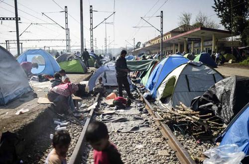 greece-macedonia-refugees-006