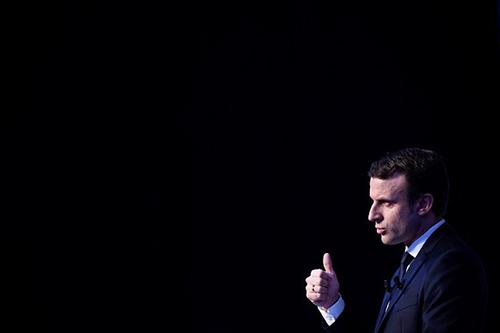 Emmanuel-Macron-2_0_768_512