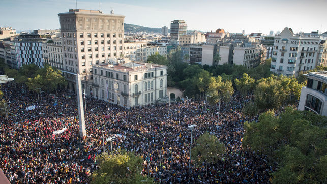 Manifestacio-Octubre-repressio-Referendum-Barcelona_EDIIMA20171003_1048_4