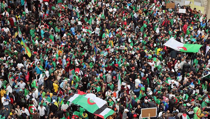 Algerians protesters demand the departure of entire Algerian regime